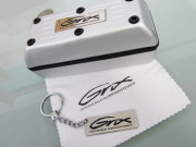 Grix Keychain and Micro fibre polishing cloth and case 2